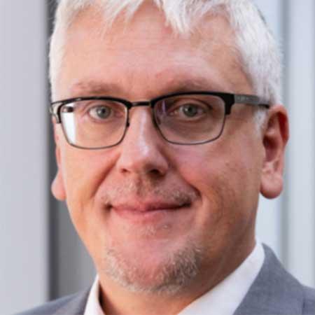 Dr.-Ing. Bernhard van Bonn